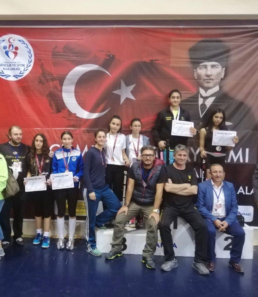 Eskrim Epe Şampiyon
