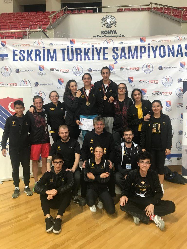 Gençler ve Büyükler Türkiye Şampiyonu Çankaya Eskrim